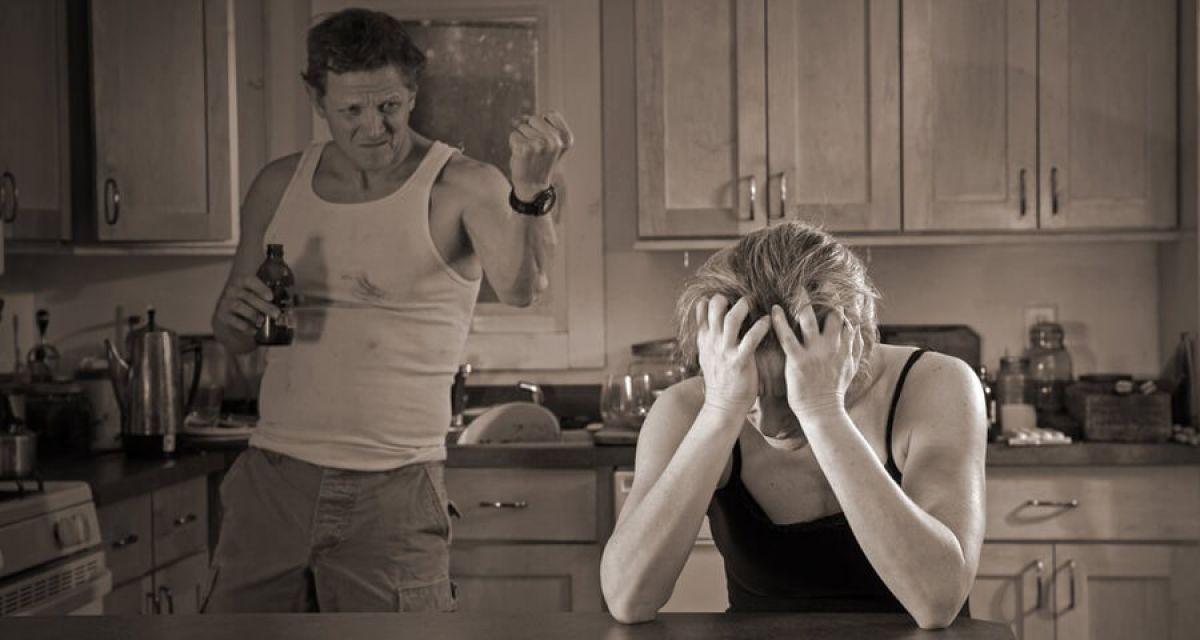 Как правильно вести себя с мужем алкоголиком