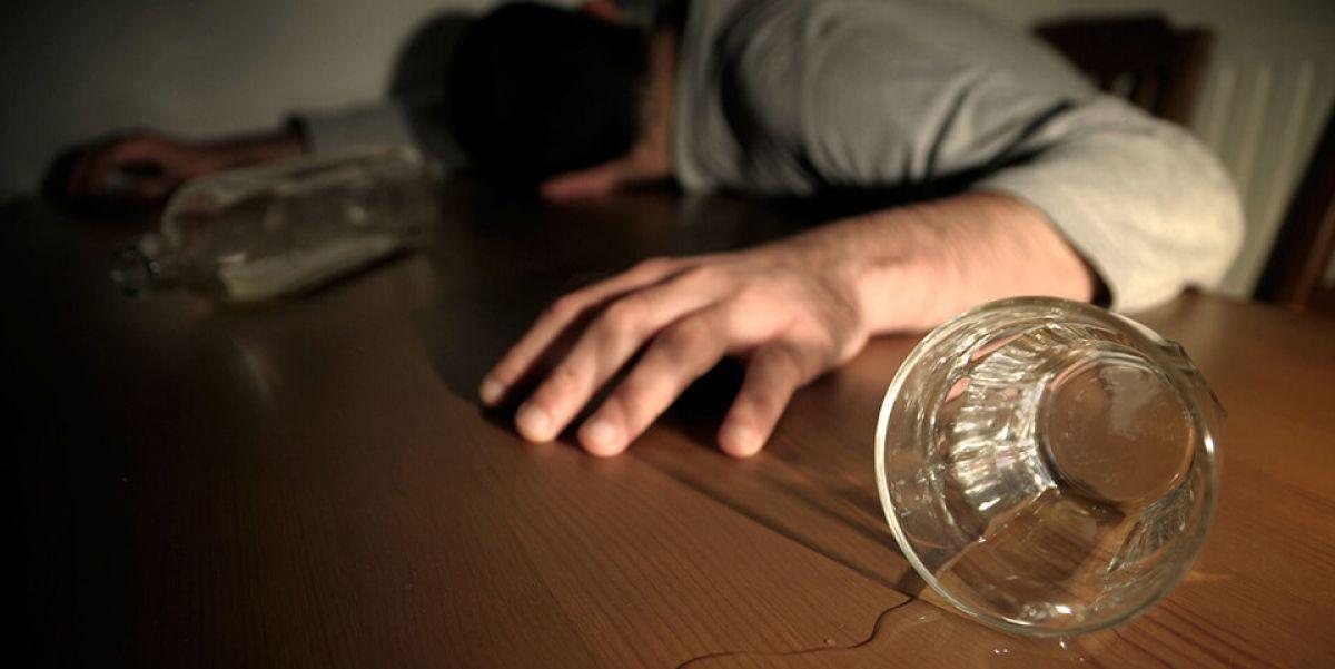Как вывести человека из запоя в домашних условиях и не навредить